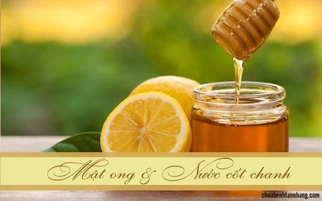trị tàn nhang bằng nước cốt chanh và mật ong
