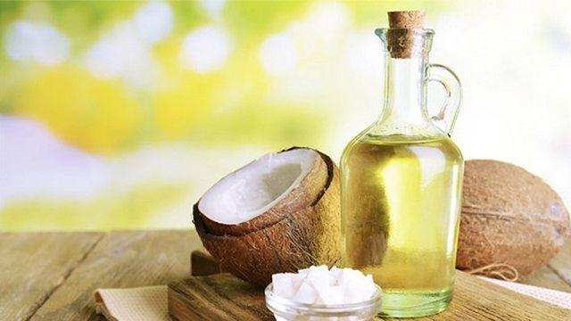 Trị tàn nhang bằng dầu dừa