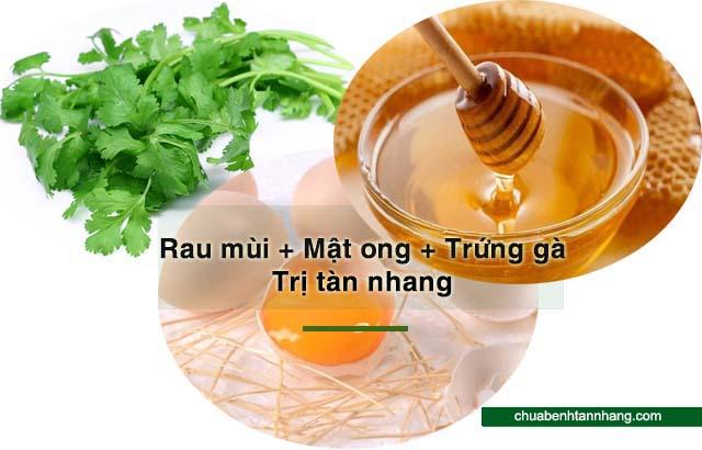 rau mùi kết hợp trứng và mật ong trị tàn nhang