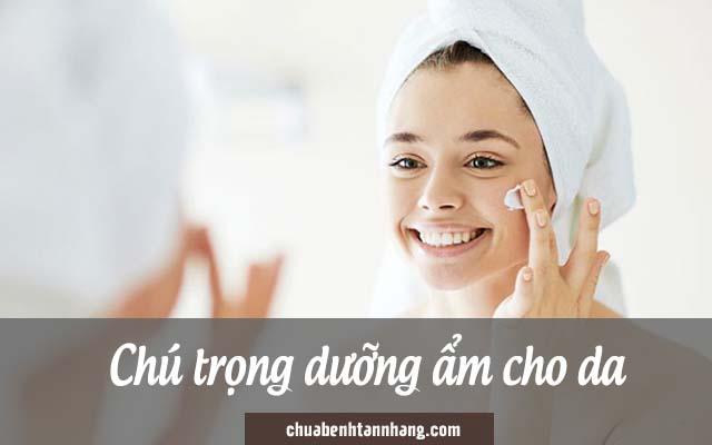 dưỡng ẩm là nguyên tắc trị nám cho da khô