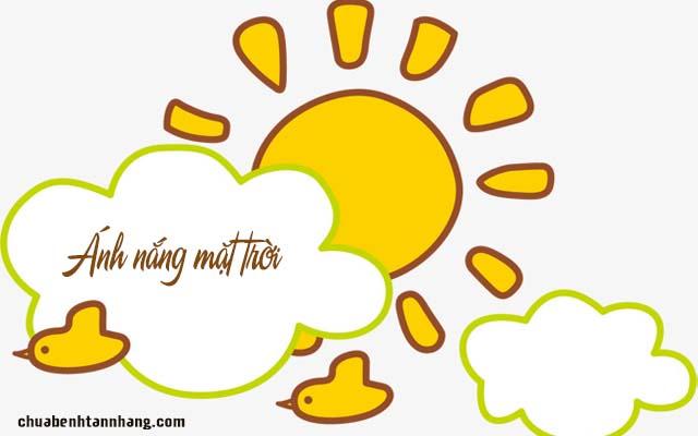 Ánh nắng mặt trời gây tàn nhang ở gò má