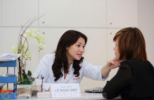 Bác sĩ tư vấn cách lựa chọn kem trị sạm da
