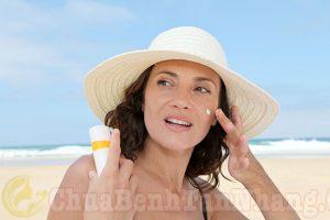 Tránh ánh nắng mặt trời sau khi điều trị nám bằng laser