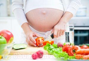 Chế độ ăn giúp phòng tránh nám da sau khi sinh