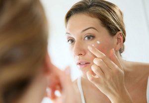 Trị nám da mặt cho phụ nữ ở độ tuổi 40
