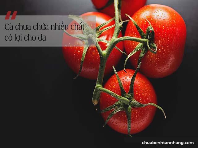 trị nám với lòng trắng trứng và cà chua